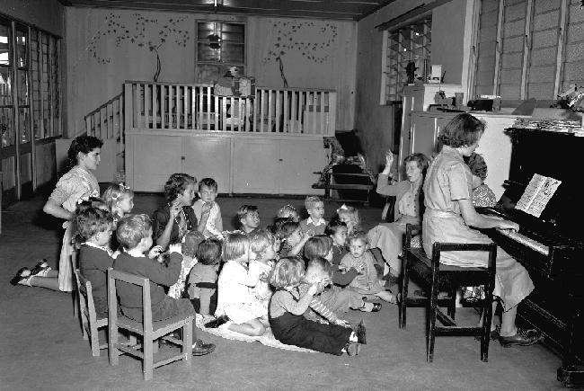 Inside singing - 1944
