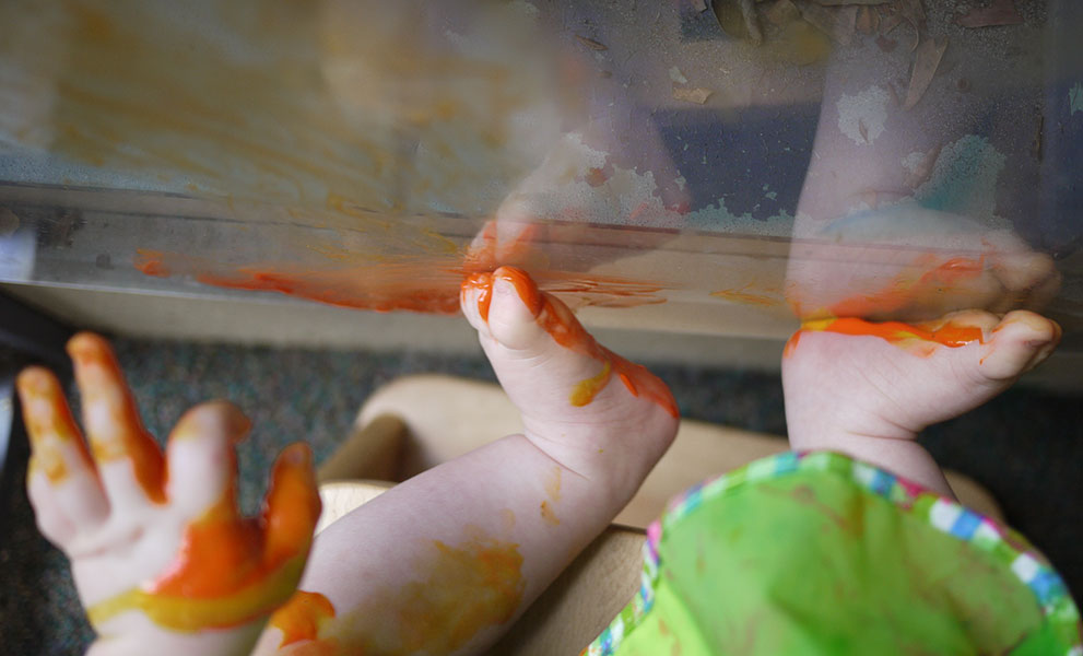 Nursery - messy painting with hands & feet