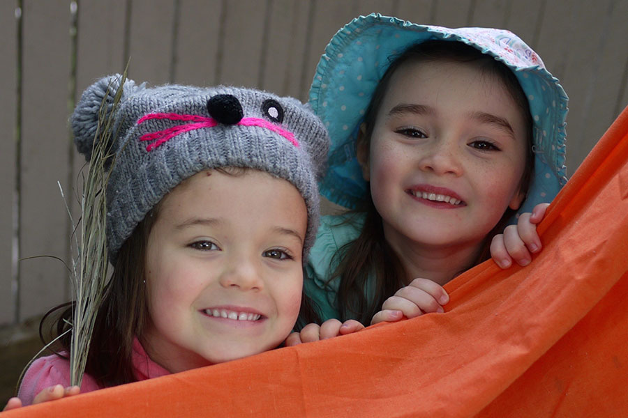 Kindy - Friends at play